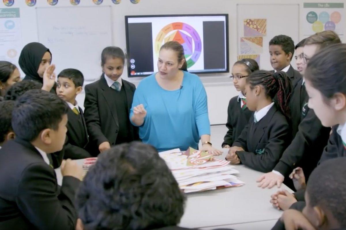 Η Άντρια Ζαφειράκου βραβεύτηκε ως η καλύτερη δασκάλα στον κόσμο