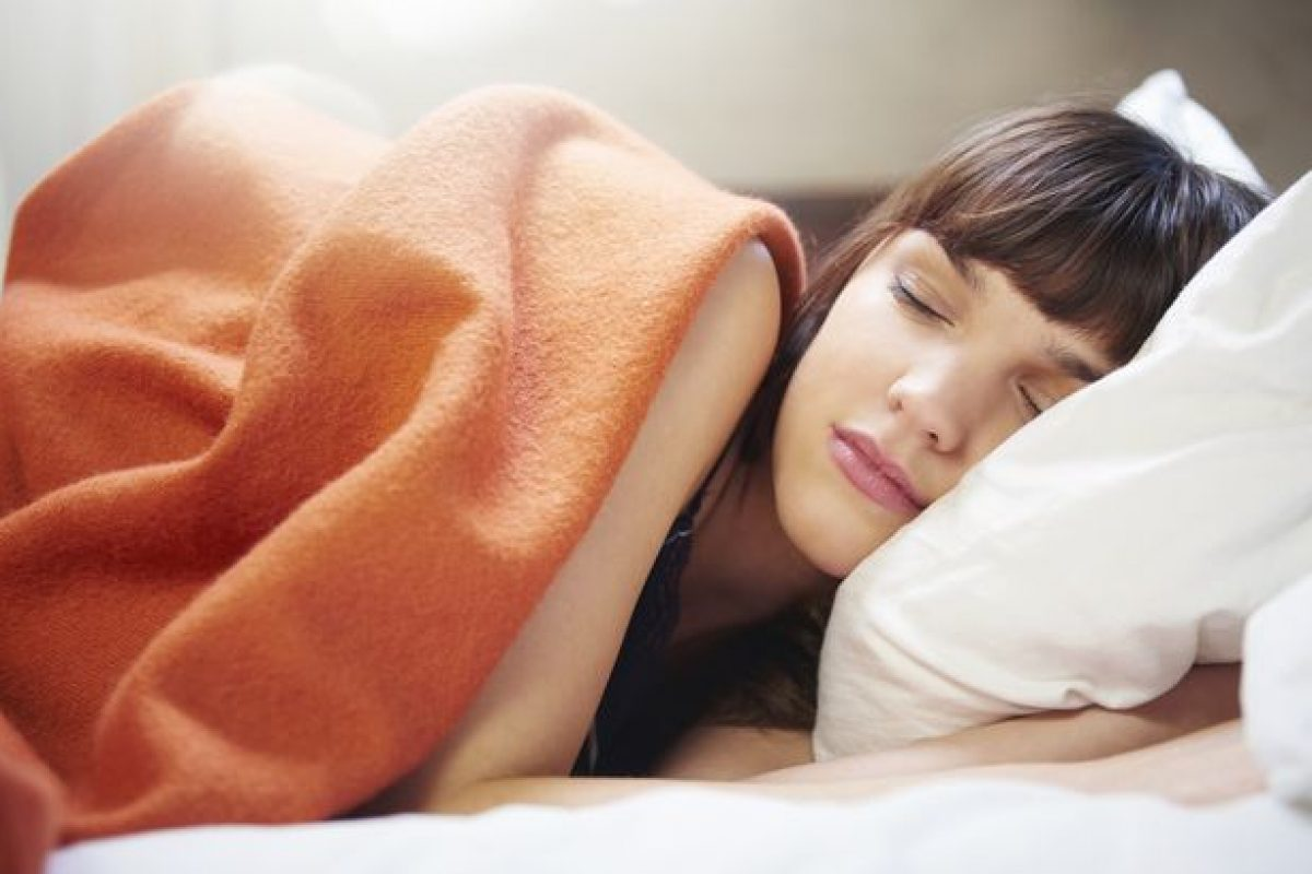 Πώς μπορείτε να έχετε καλύτερο και ξεκούραστο ύπνο με 4 βήματα