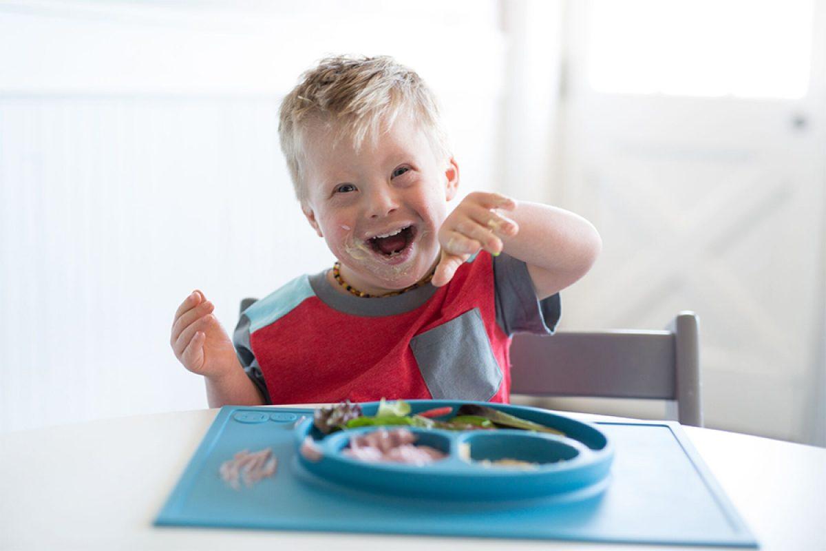 Με τα πιάτα ezpz η ώρα του φαγητού γίνεται πιο διασκεδαστική και λιγότερο… ακατάστατη!