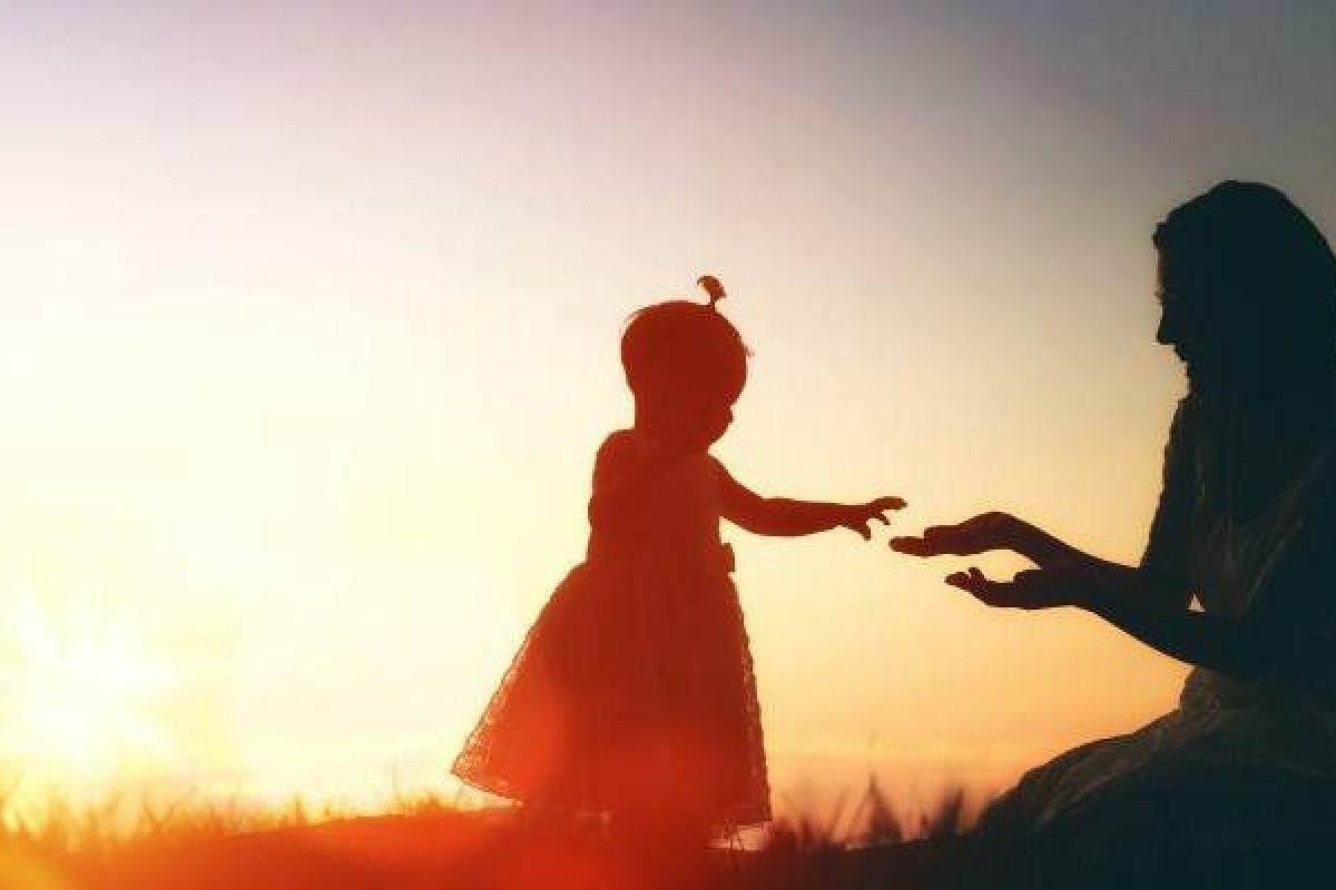 Τα παιδιά μαθαίνουν τα μαθήματα που τους διδάσκουμε με τις καθημερινές μας πράξεις