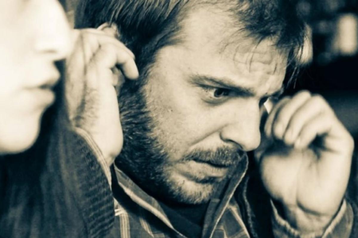 Όλα τα κομμάτια μαζί: Μια ιστορία και ένα δυνατό ελληνικό βιντεάκι για τον αυτισμό που σε καθηλώνει