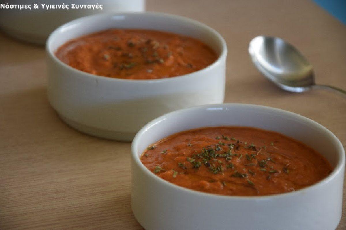Βελούδινη, καλοκαιρινή ντοματόσουπα