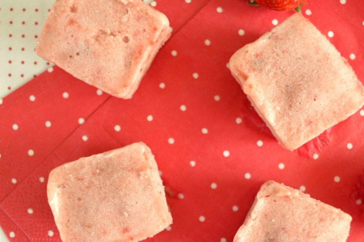 Παγωτίνια φράουλας με τρία υλικά