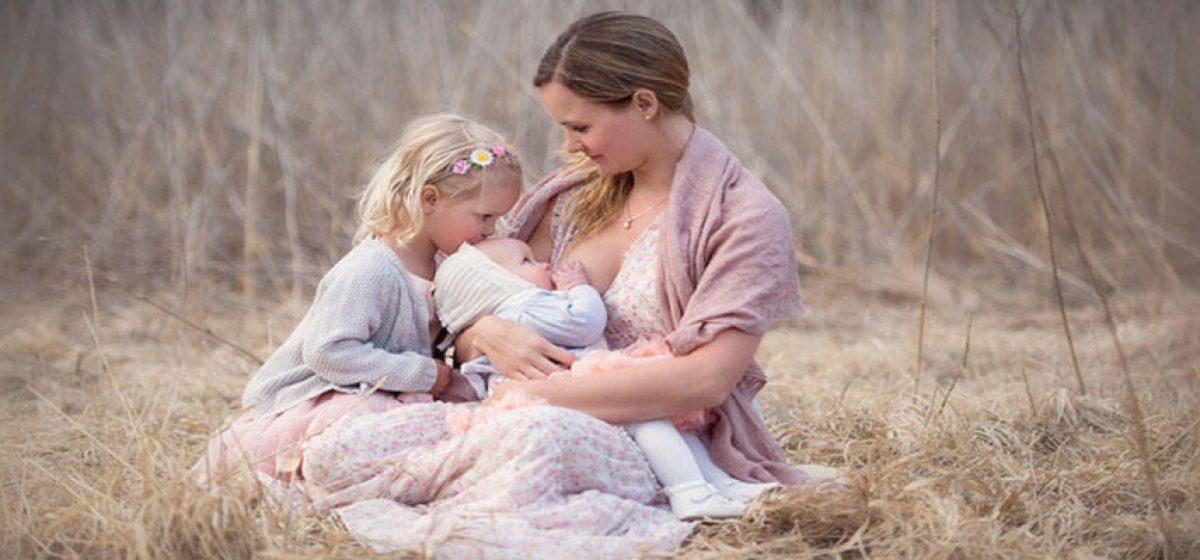 Θηλασμός: Η Ψυχολογία και τα Οφέλη του για το Βρέφος και τη Μητέρα