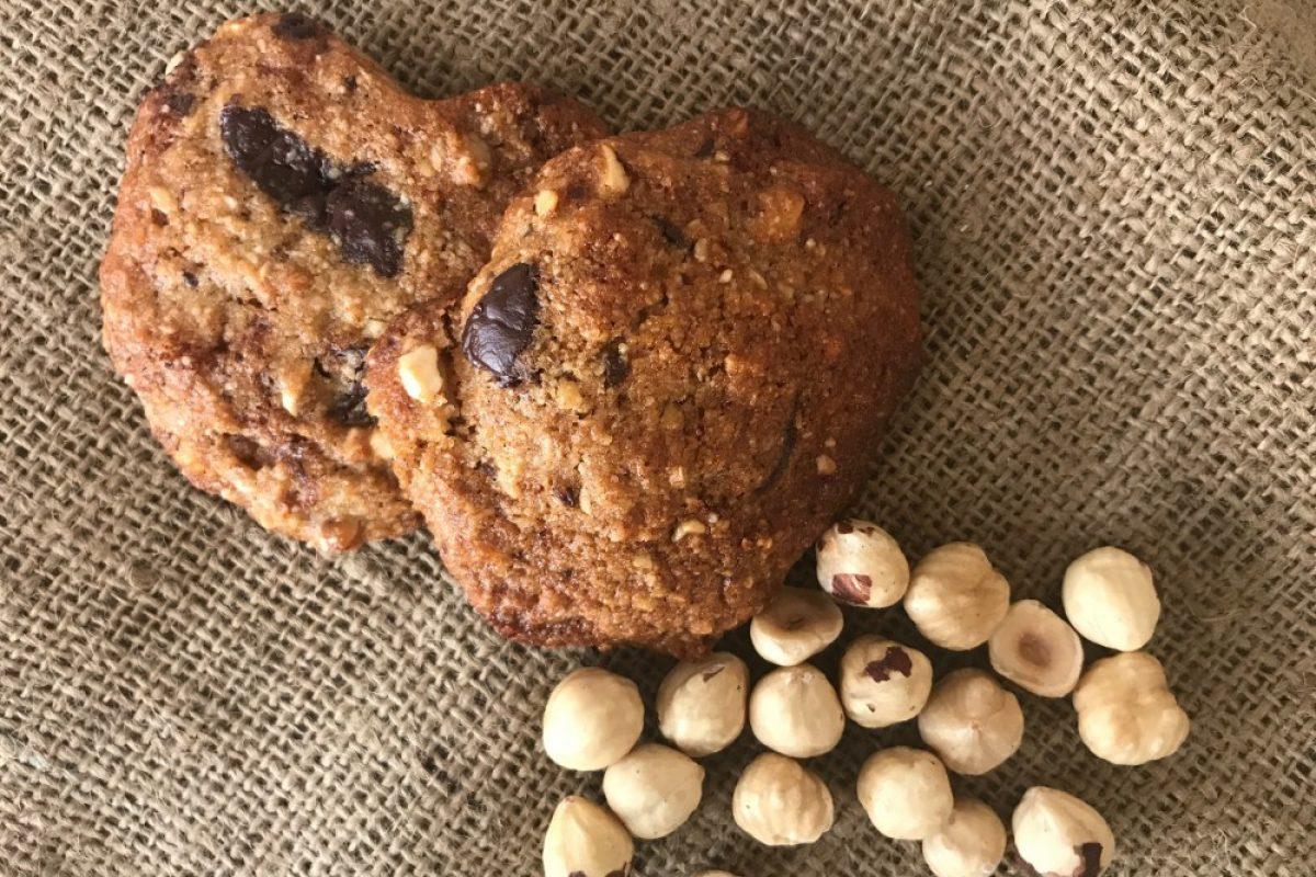 Μαλακά μπισκότα με σοκολάτα και φουντούκια