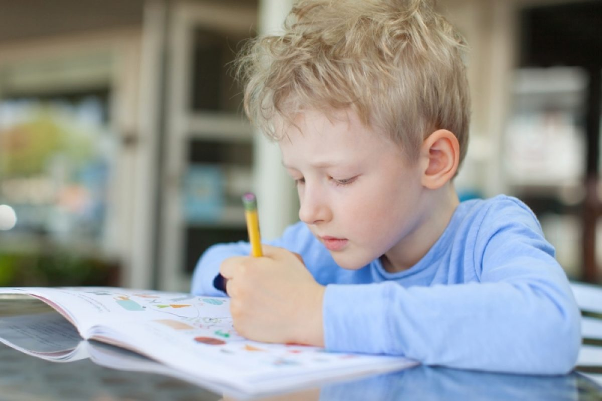 Δεξί ή αριστερό; Πότε καταλήγει ένα παιδί στο κυρίαρχο χέρι του