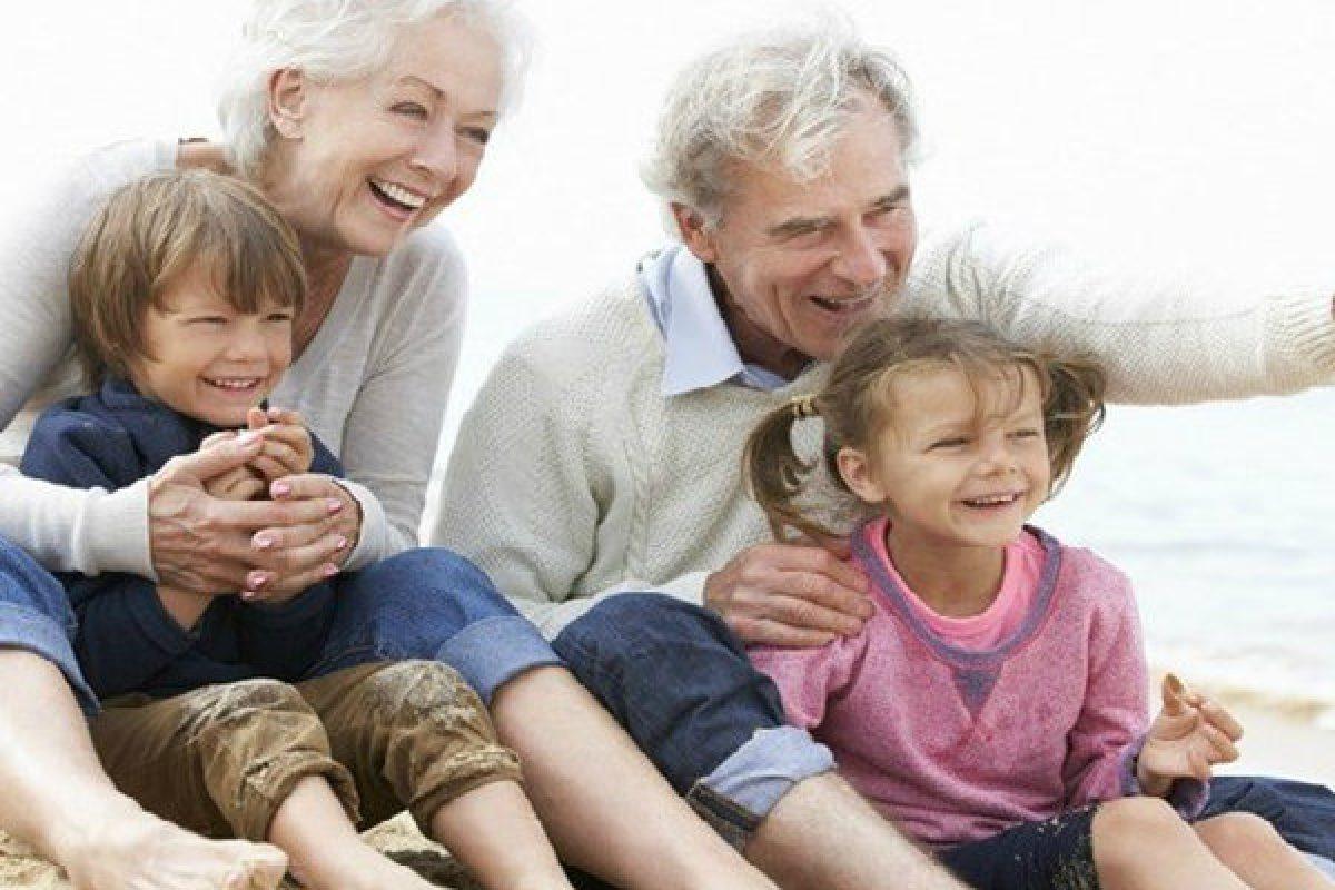 Παππούδες εν δράσει: Ο ρόλος τους στην ανατροφή των παιδιών