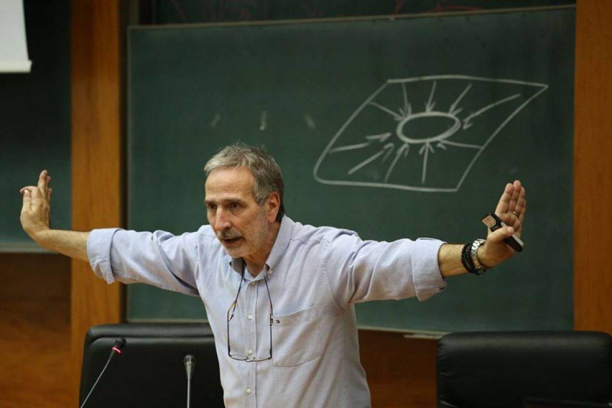 δρ Μάνος Δανέζης:Eίμαστε φτιαγμένοι να ζούμε στο «εμείς», αντί για το «εγώ»!