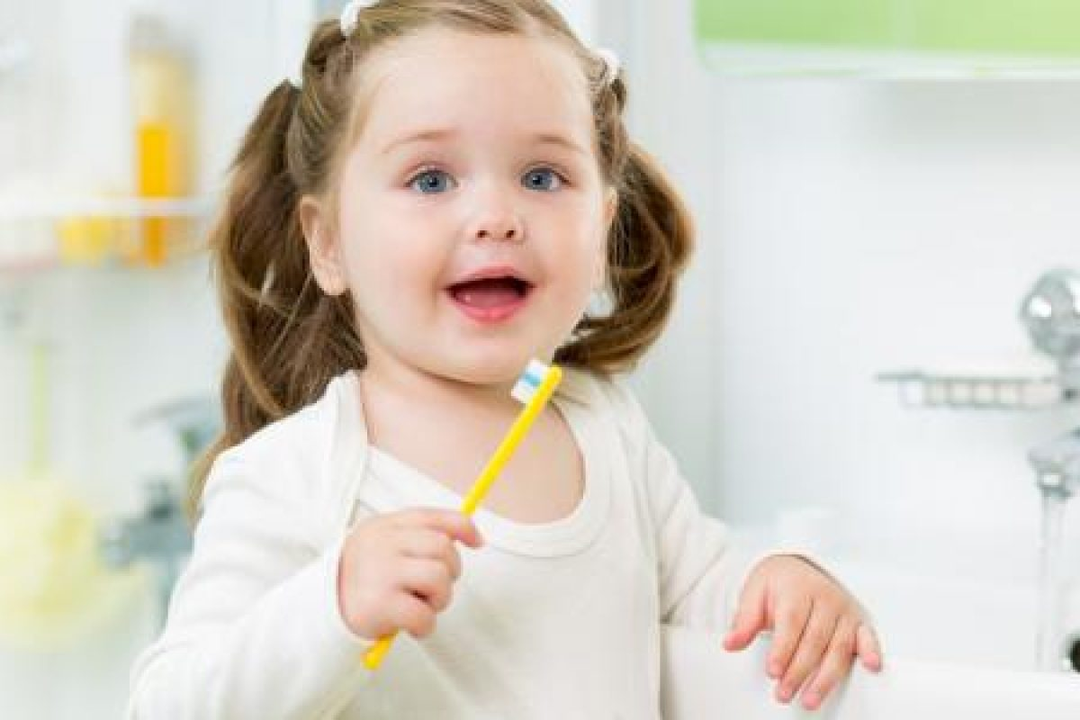 Πώς θα προστατεύσουμε τα δόντια των παιδιών