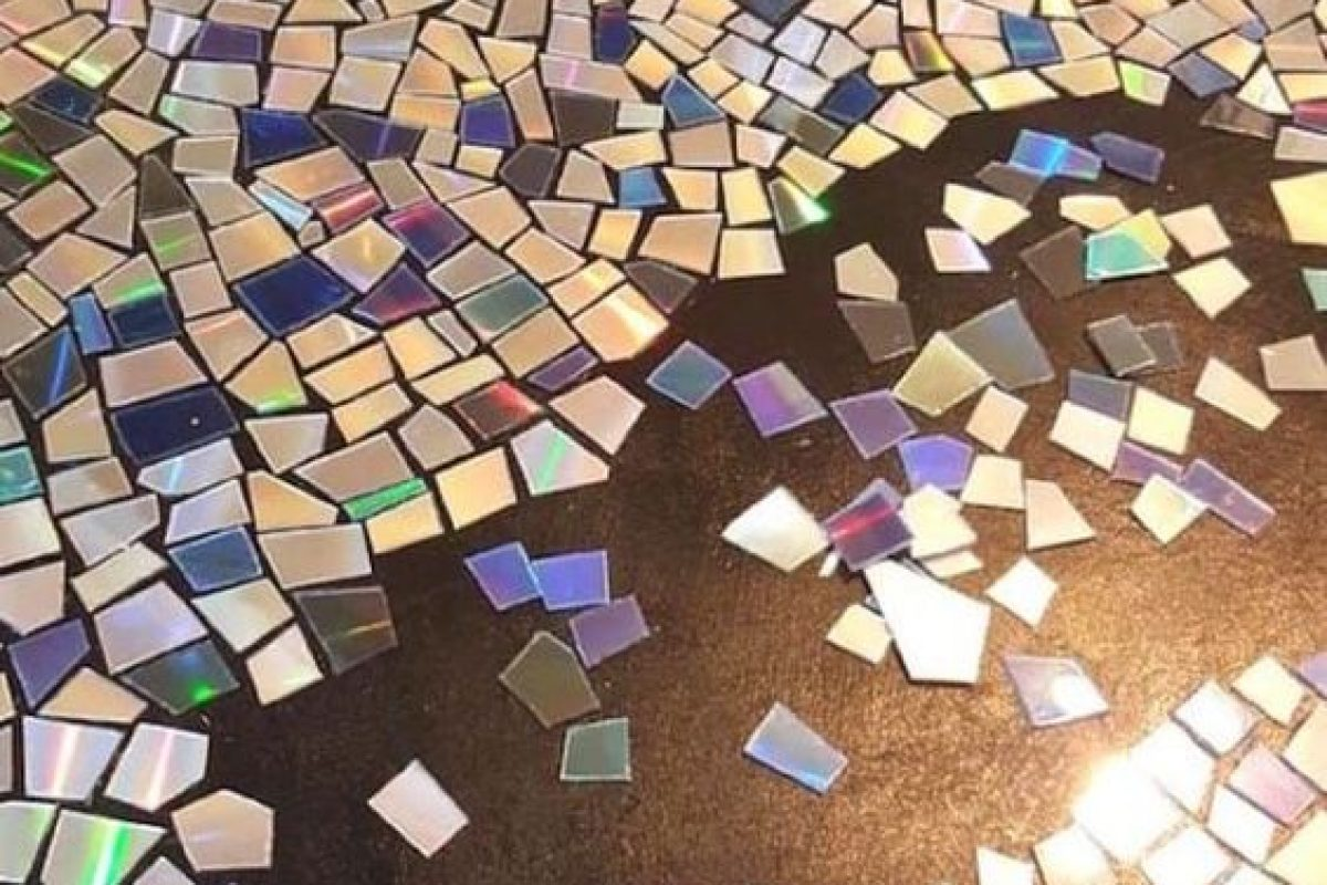 Σπάστε τα παλιά cds και κάντε θαύματα!