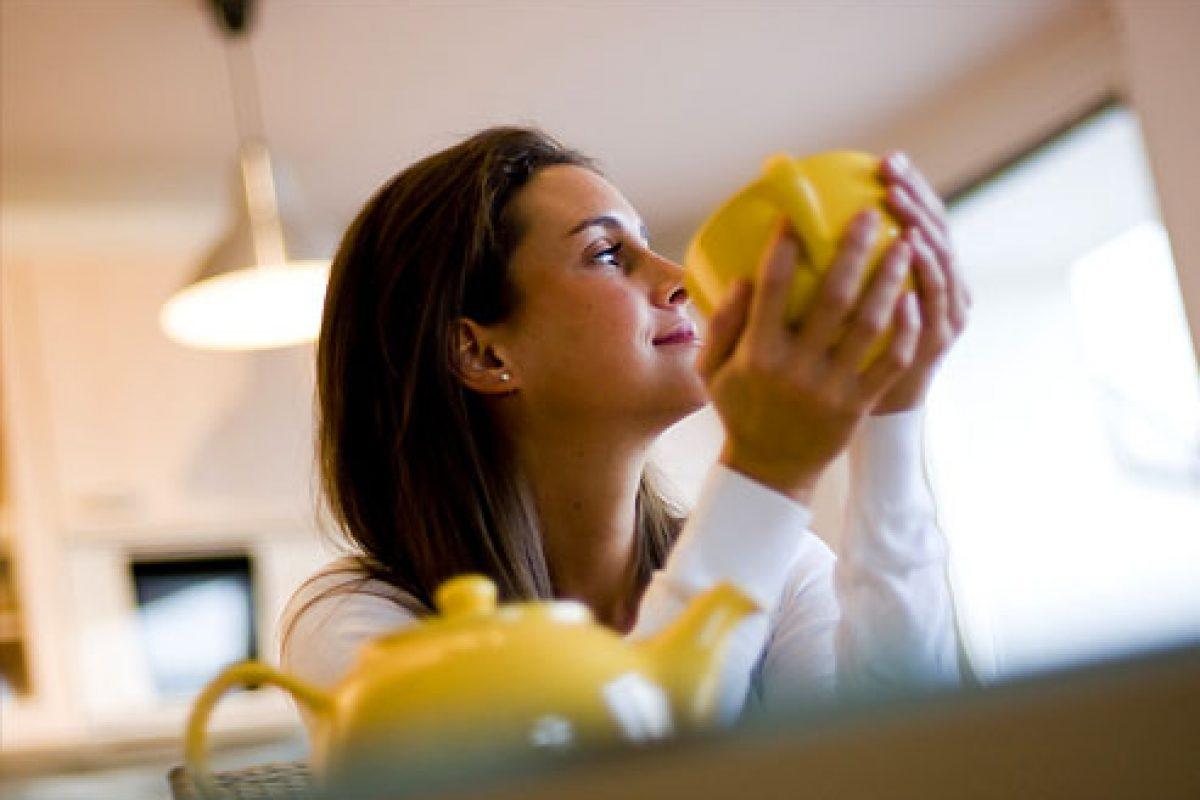 4 πρωινές συνήθειες που θα σας βοηθήσουν να μειώσετε δραστικά το άγχος