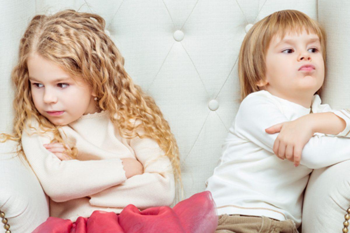 Πώς αντιμετωπίζεται η αδερφική αντιζηλία;
