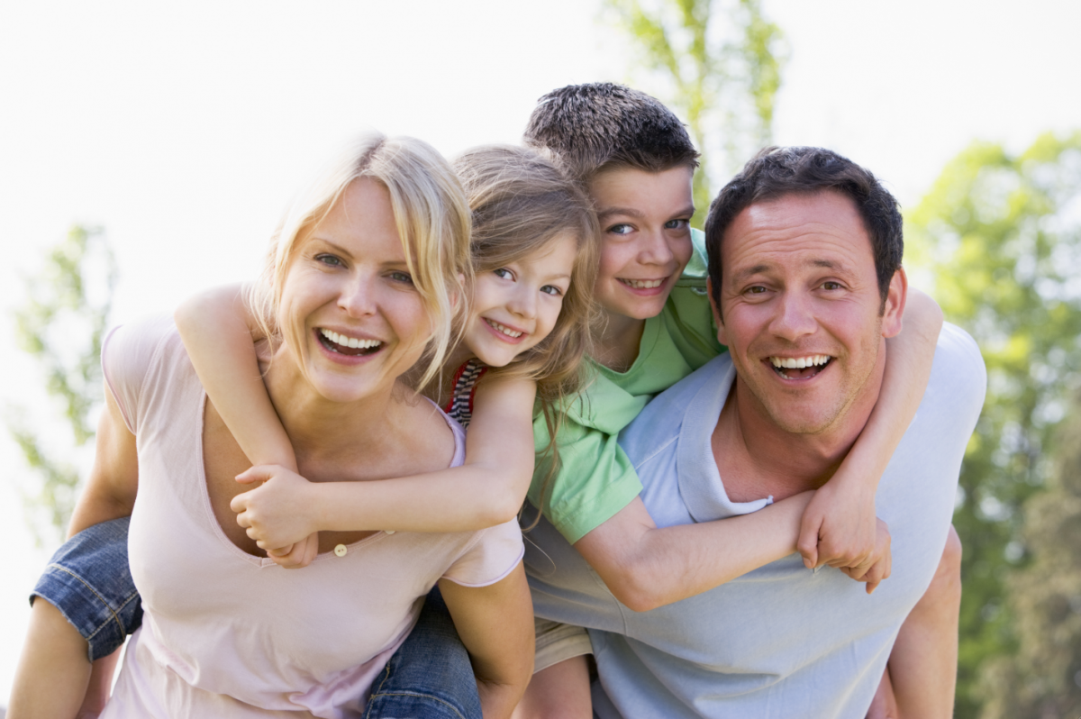 Παιδιά και γονείς : Οικοδομώντας μια σωστή, δημιουργική και θερμή σχέση.