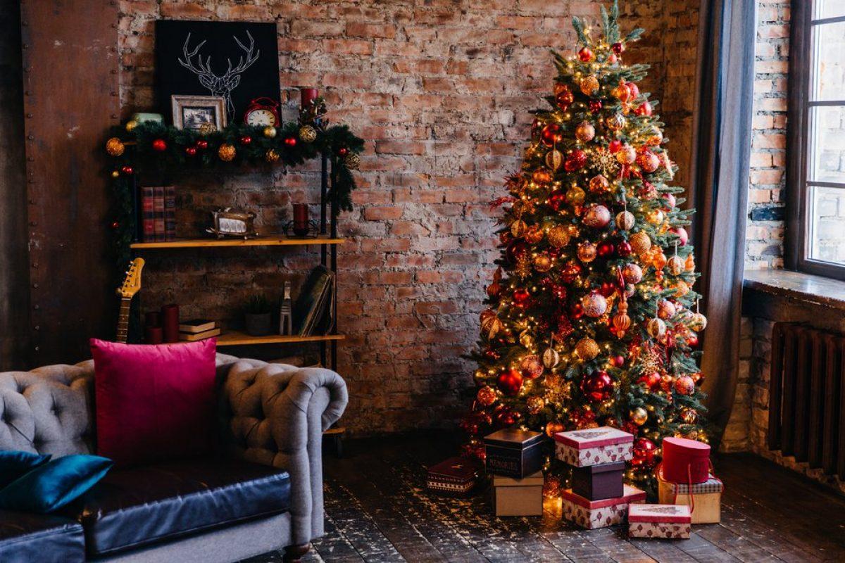 7 Στολισμένα Χριστουγεννιάτικα Δέντρα που θα σε κάνουν να ανυπομονείς!