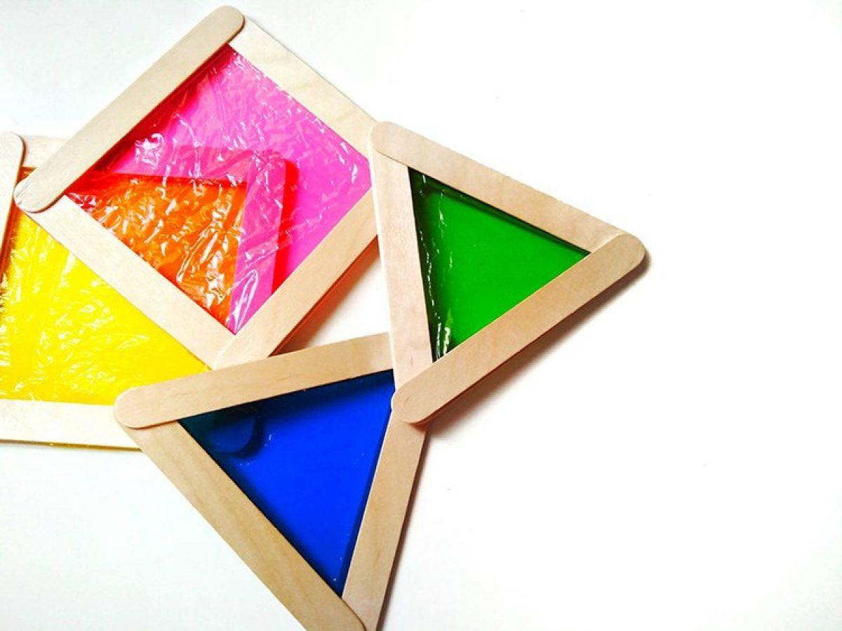 DIY χρωματιστά σχήματα κι ένα παιχνίδι με φως και χρώματα ξεκινά…!