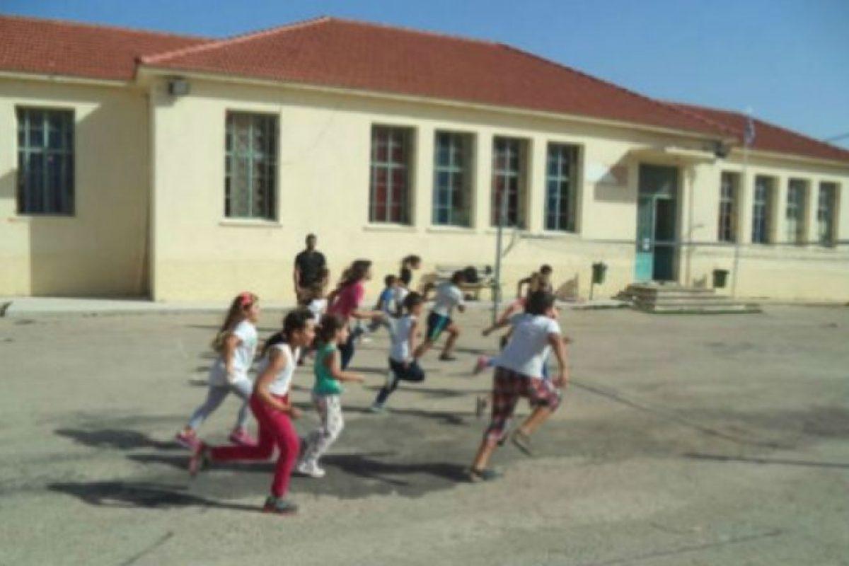 """Χανιά   Οι δασκάλες στέλνουν σπίτι τα παιδιά διαβασμένα, όμως οι γονείς το βρίσκουν """"περίεργο"""" και το σχολείο κινδυνεύει να κλείσει"""
