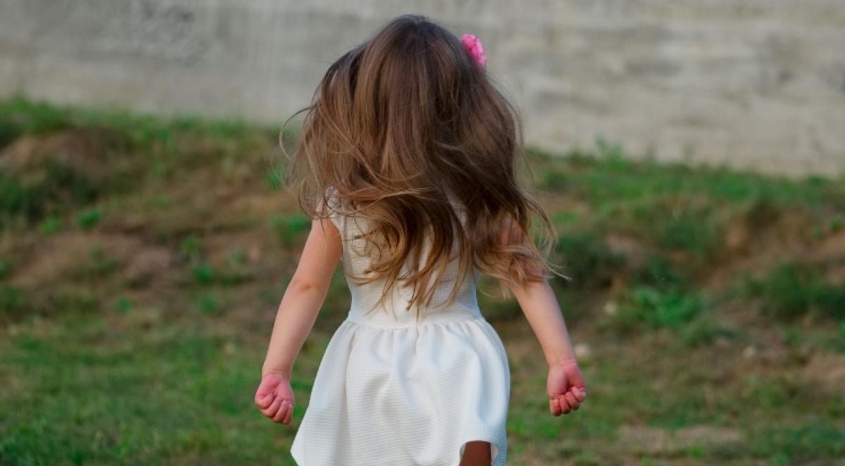 Οι_άνθρωποι μου λένε «Λυπάμαι» για την κόρη μου με αυτισμό.Και εγώ «Λυπάμαι»… για την κοινωνία μας που κλείνει τα μάτια…!!!