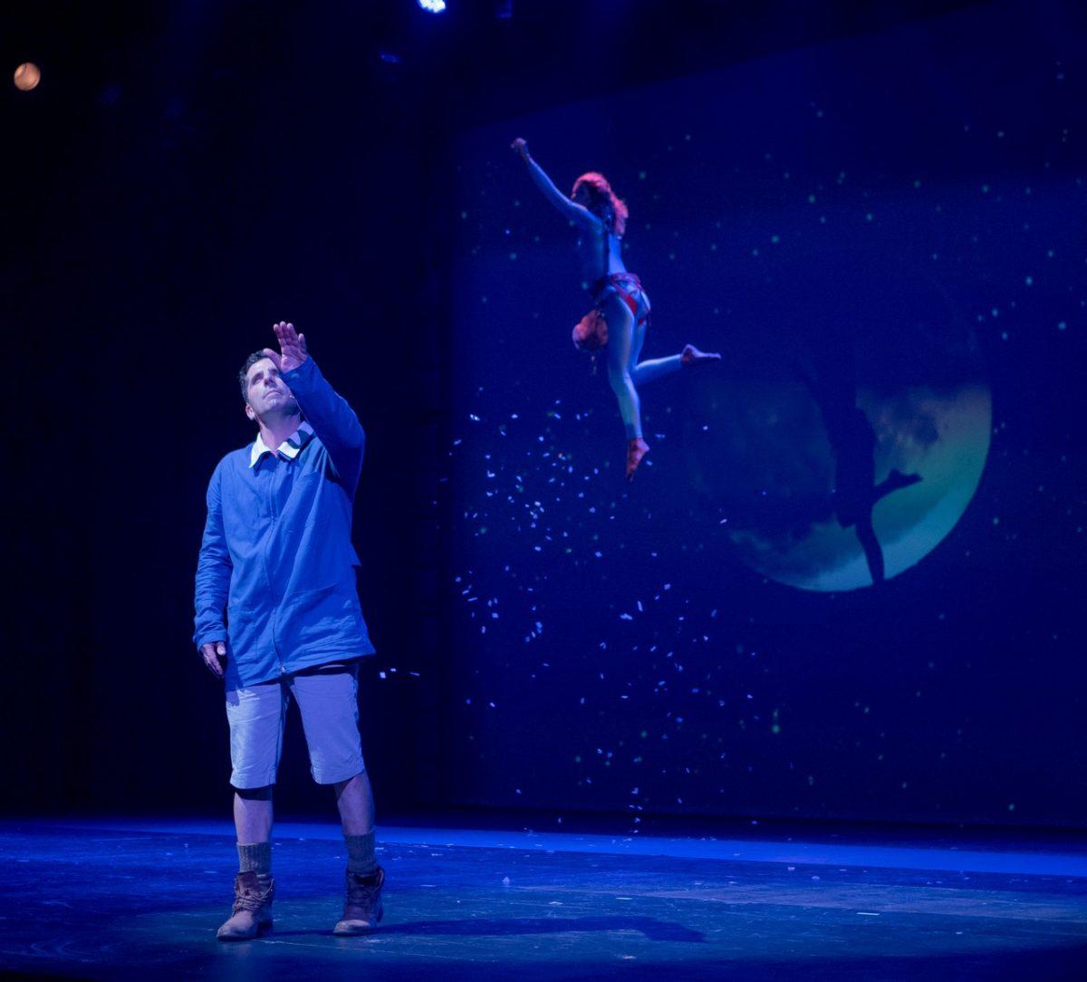 «Ένα παιδί μετράει τ' άστρα»