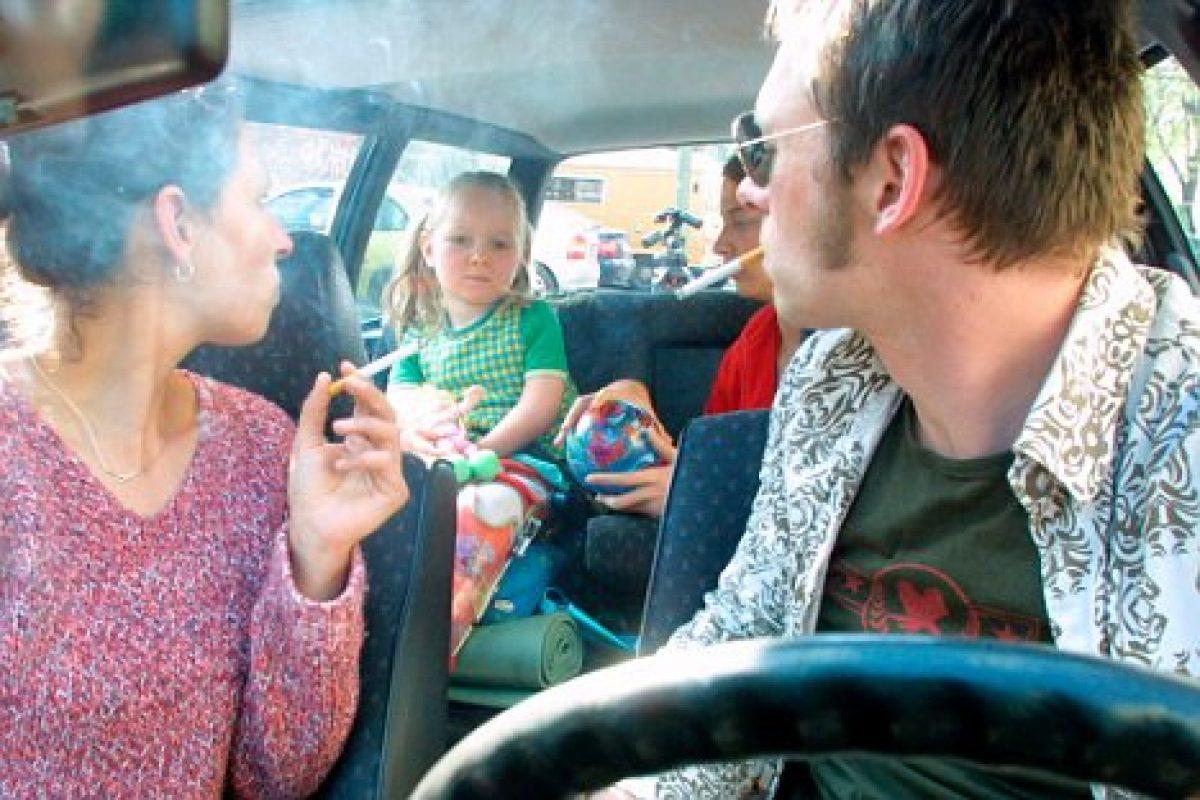 Αφαίρεση διπλώματος για το κάπνισμα σε αυτοκίνητο με ανήλικο επιβάτη