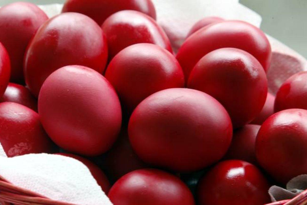 Πασχαλινά αυγά: Πόσο διαρκούν εκτός ψυγείου – Τι πρέπει να γνωρίζετε