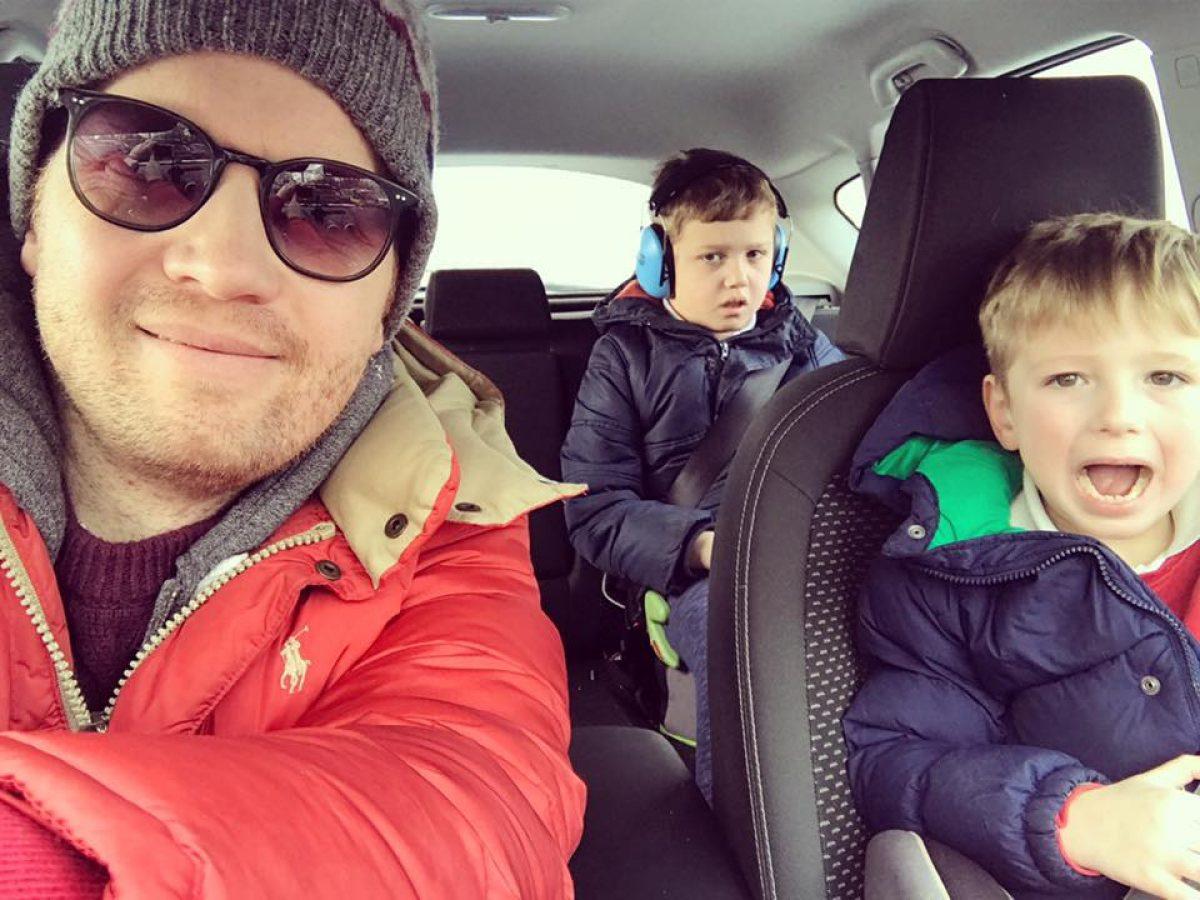 Πατέρας δυο αυτιστικών αγοριών, καταγράφει τις 10 σκέψεις που ανησυχούν τους γονείς παιδιών με αυτισμό!
