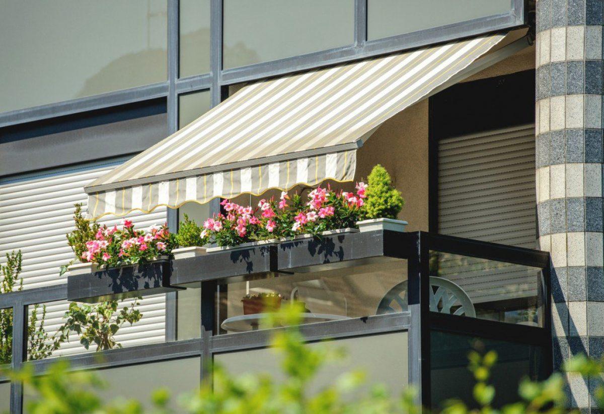 5 Τέντες για πολύ αέρα που θα σώσουν το μπαλκόνι σου!