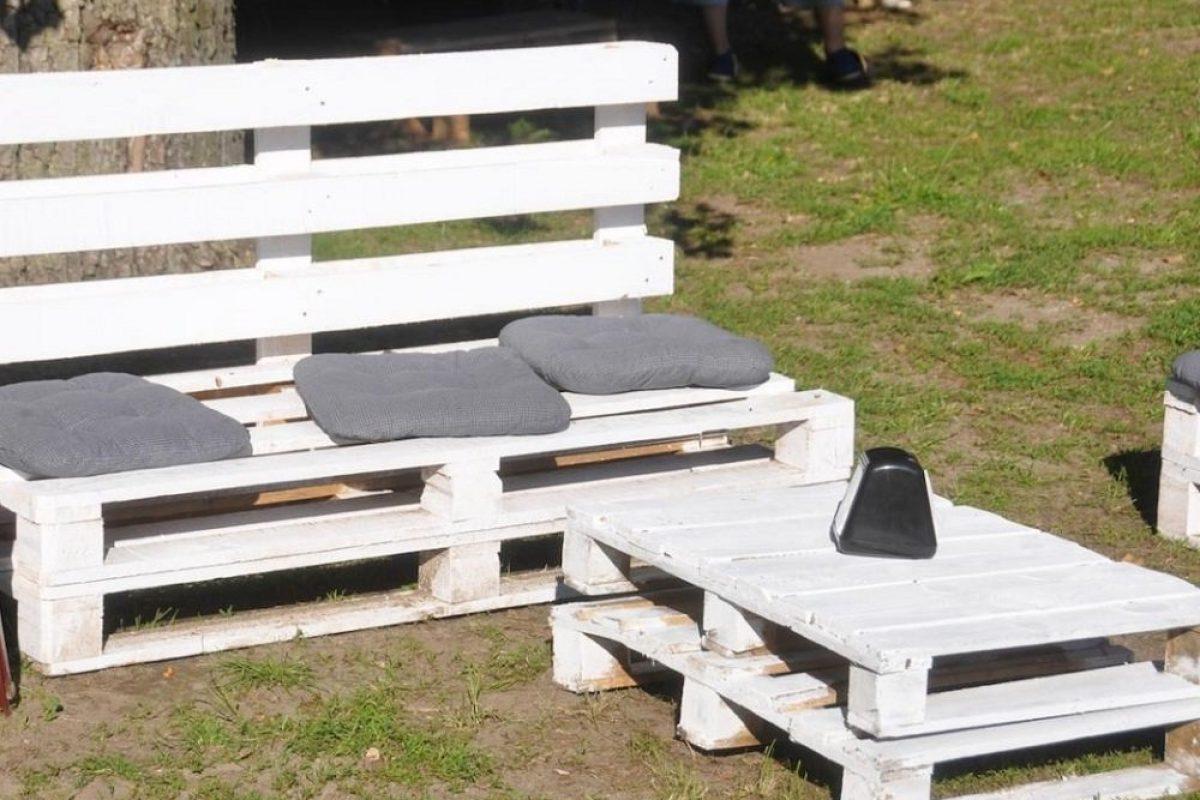 5 Εύκολες και Εντυπωσιακές Κατασκευές με Παλέτες για να Διακοσμήσεις τον Κήπο σου!