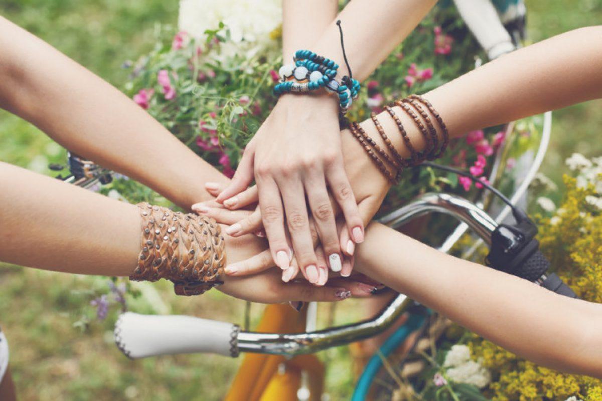 Γιατί η φιλία θεωρείται αναπόσπαστο κομμάτι της ζωής μας;