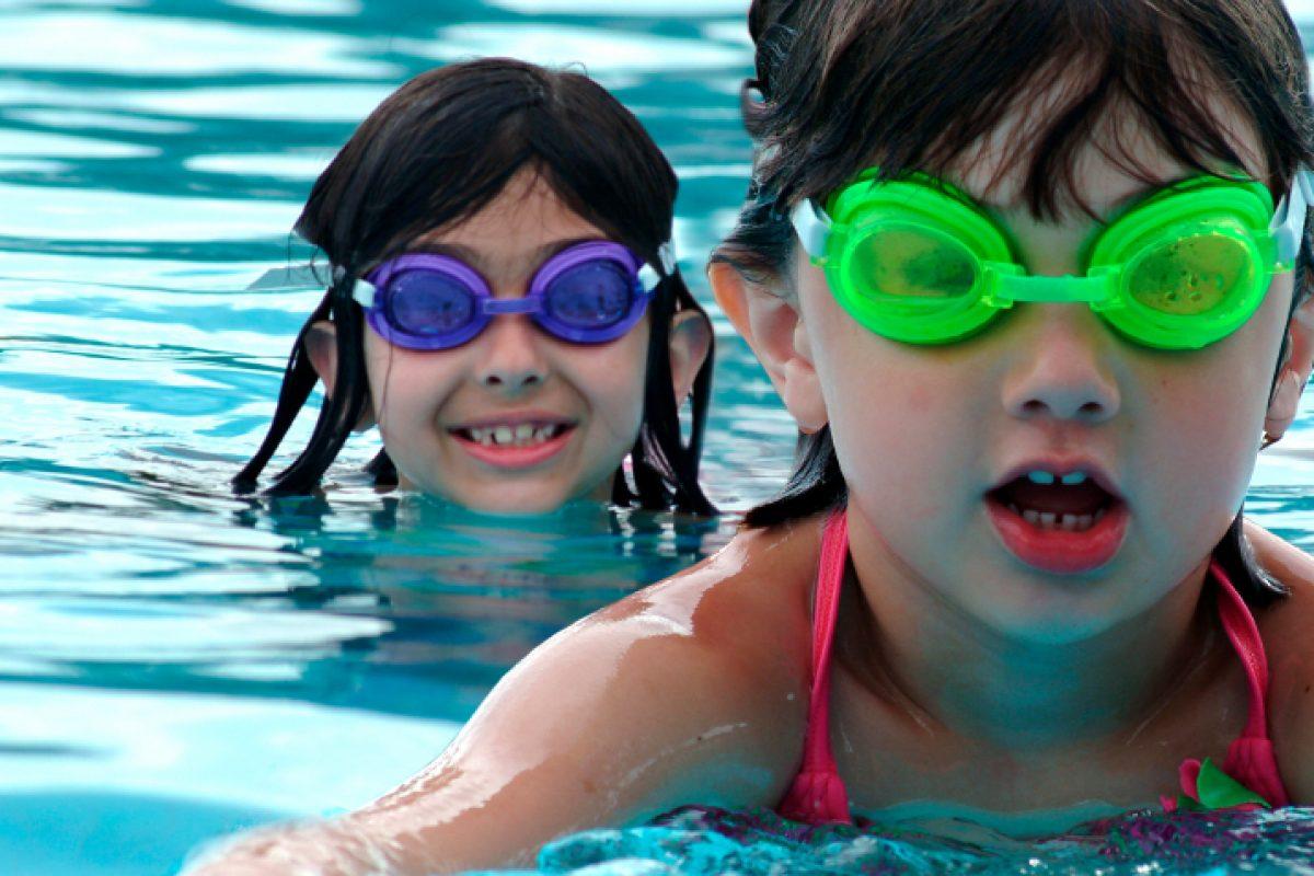 Δέκα τρόποι για να μη φοβάται το παιδί τη θάλασσα