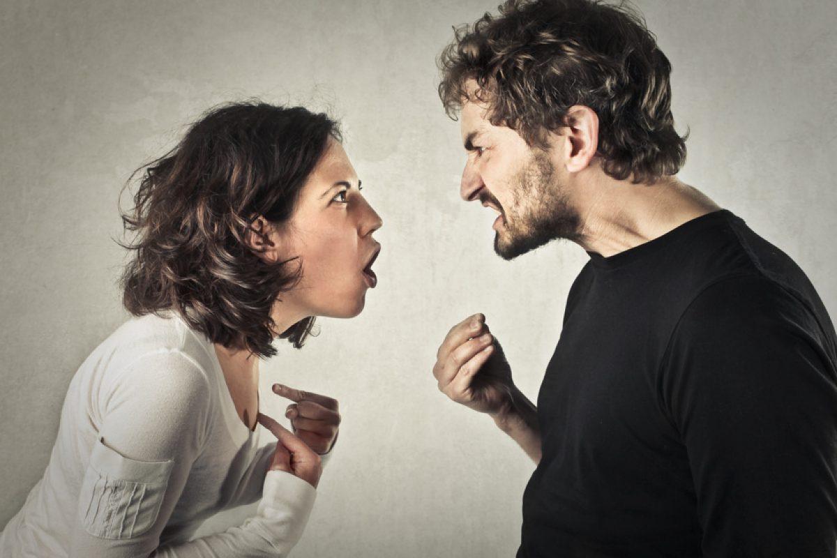 Ο σύμβουλος γάμου Γιάννης Ξηντάρας εξηγεί τα πιο συνηθισμένα λάθη που (δεν πρέπει να) κάνουμε σε μία σχέση