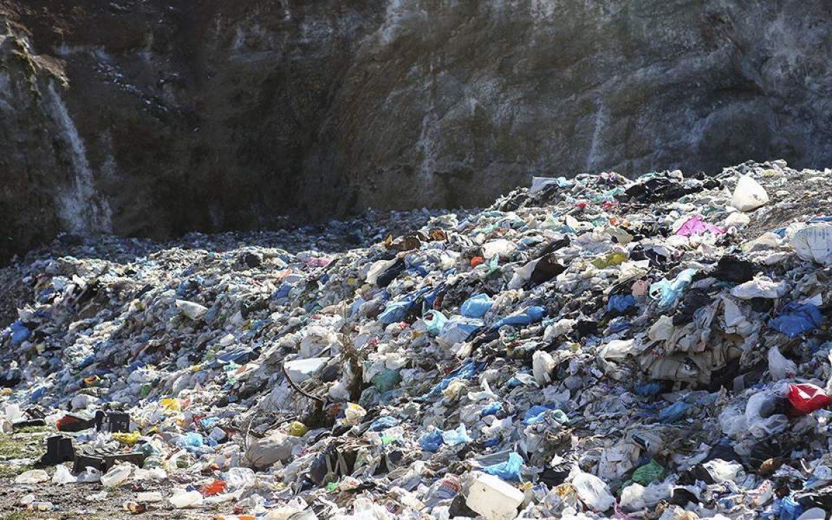 Ανεξέλεγκτοι οι σκουπιδότοποι