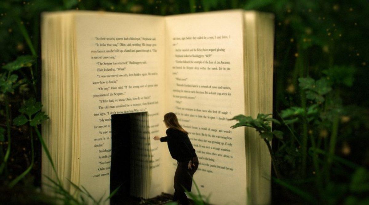 """Τί συμβαίνει μέσα μας όταν """"χανόμαστε"""" μέσα σε ένα βιβλίο"""