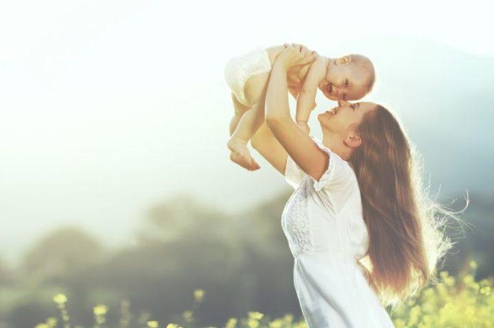 Έτσι θα καταλάβετε αν το μωρό σας είναι χαρούμενο