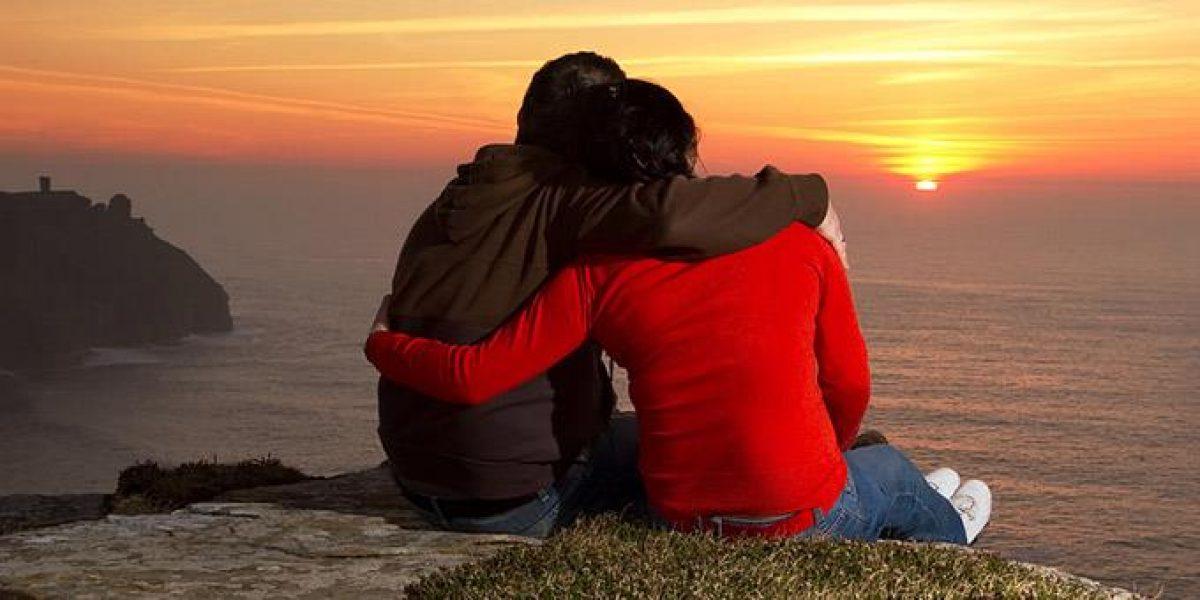 Τα οφέλη της αγκαλιάς: 8 λόγοι να… έρθουμε κοντά
