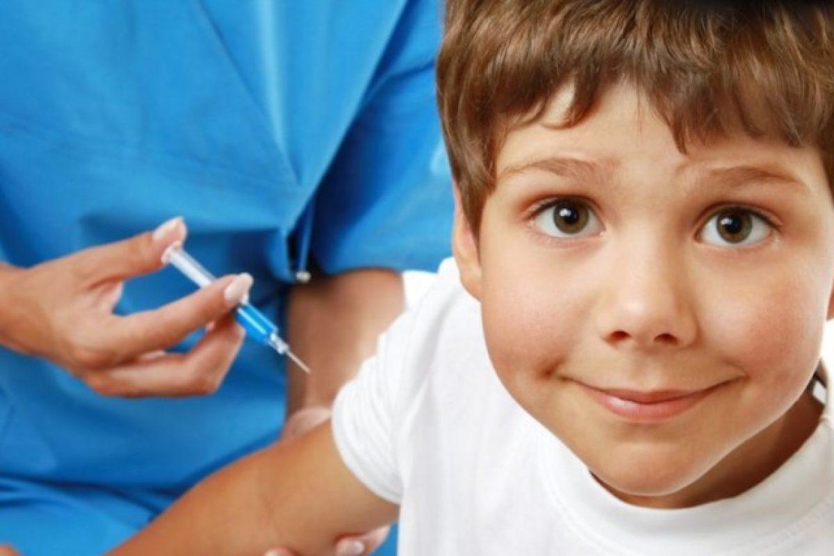 Με πρόστιμο 2.500 ευρώ θα τιμωρηθούν οι γονείς που δεν εμβολιάζουν τα παιδιά τους