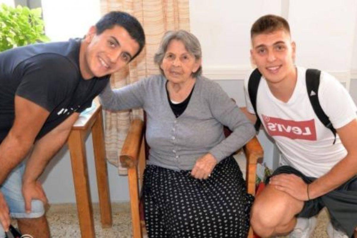 Έλληνες μαθητές «υιοθετούν» ηλικιωμένους από γηροκομεία: Η σχολική δράση πρότυπο που συγκινεί