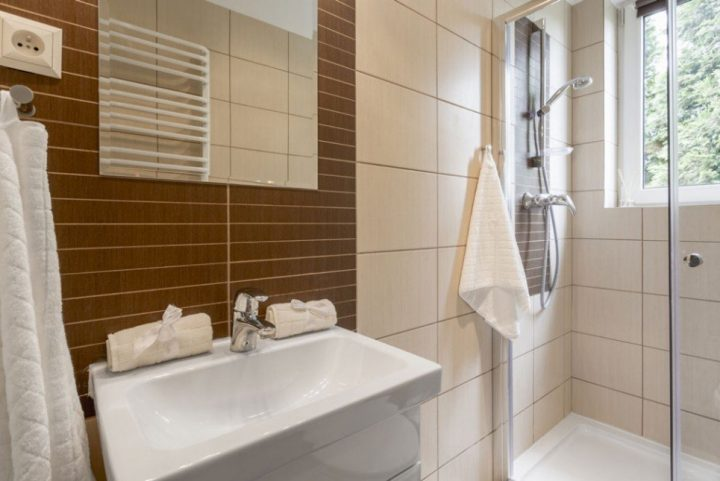 Τι Πλακάκια να βάλω σε μικρό μπάνιο; Do's & Don'ts!