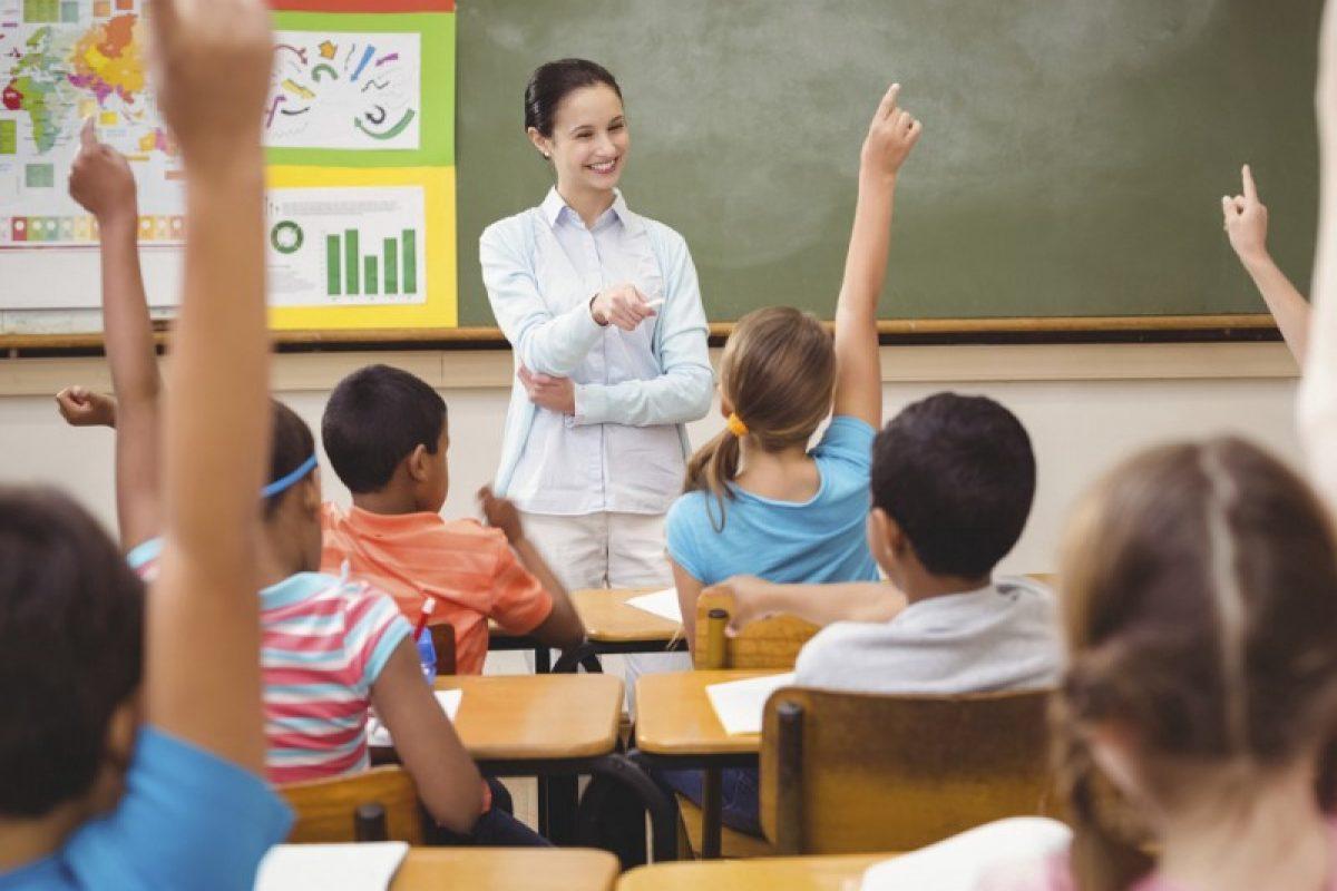 Έχω τρεις ρόλους στην τάξη: δάσκαλος, γονέας και κοινωνικός λειτουργός