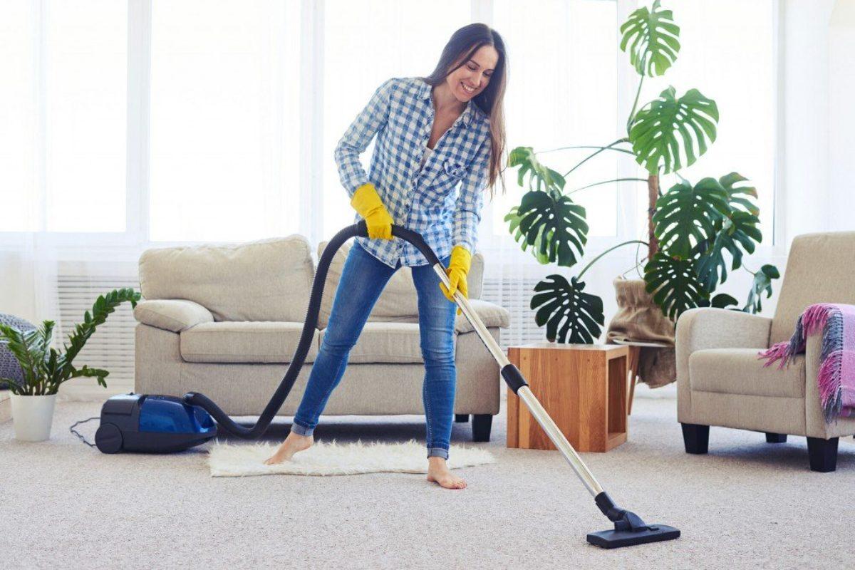 10 «μη συνηθισμένες» εργασίες για το μηνιαίο καθαρισμό σαλονιού!