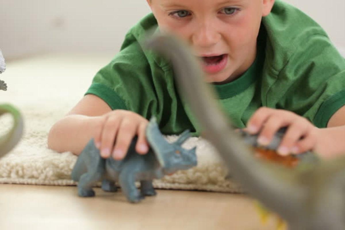 Η εμμονή των παιδιών με τους δεινόσαυρους βελτιώνει τη νοημοσύνη τους