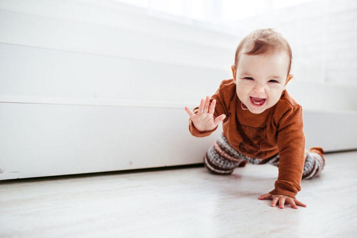 Βάλε το παιδί στο πάτωμα!