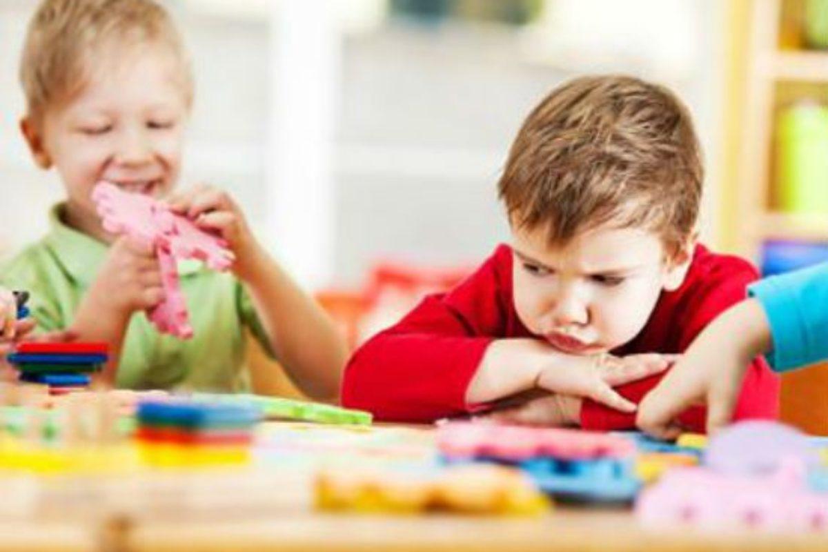 Κοινωνικές δεξιότητες: Τι μπορούν να κάνουν οι γονείς στο σπίτι και οι παιδαγωγοί στο σχολείο