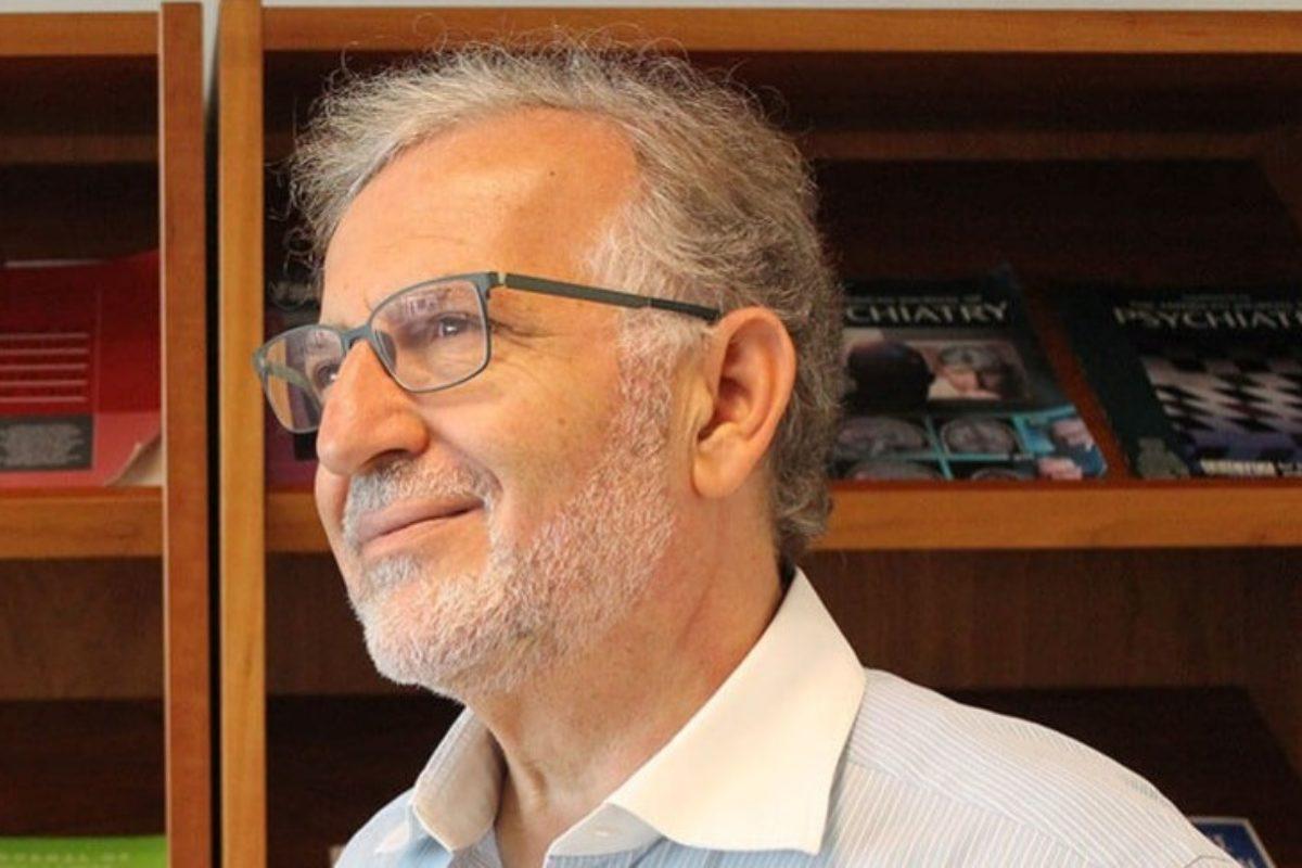 Δημήτρης Καραγιάννης: Σταματήστε να συγκρίνετε τα παιδιά σας. Τα καταστρέφετε!
