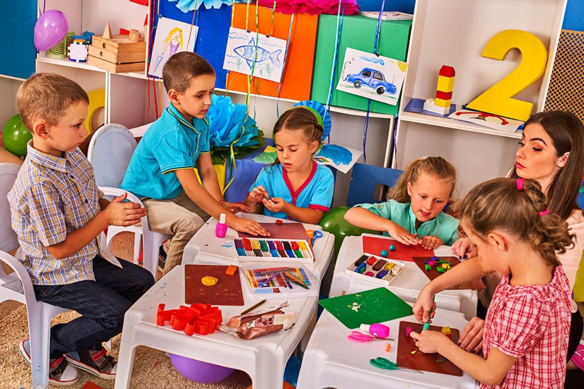 """Αν το πρόβλημα των ελληνικών νηπιαγωγείων είναι ότι τα παιδιά δεν λένε από τα 4,5 τους """"what a nice wheather"""""""
