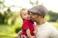Όσο εύκολο είναι να είσαι πατέρας, τόσο δύσκολο είναι να γίνεις μπαμπάς!