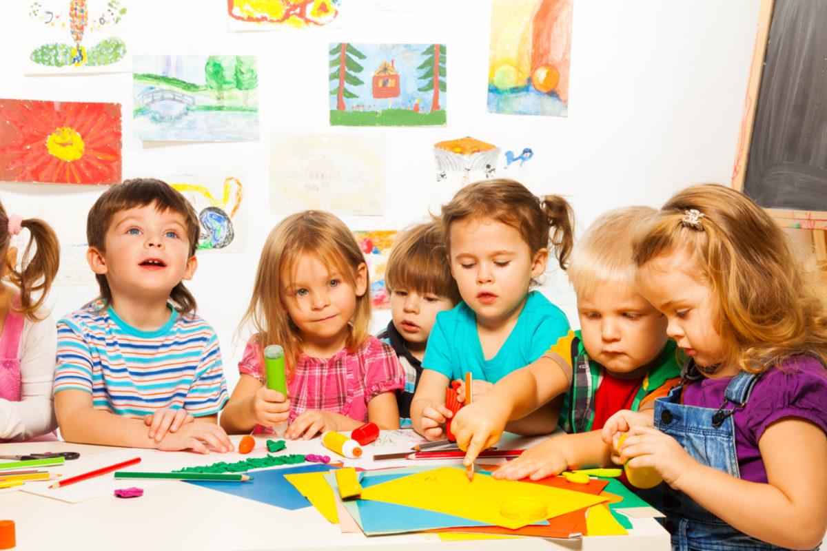 Τι πρέπει να ρωτήσετε τη νηπιαγωγό στην ενημέρωση γονέων