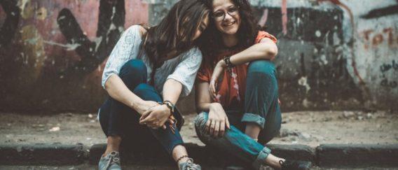 Δεν σ'αγαπώ επειδή γεννήθηκες αδερφή μου. Σ'αγαπώ για όσα είμαστε μαζί.