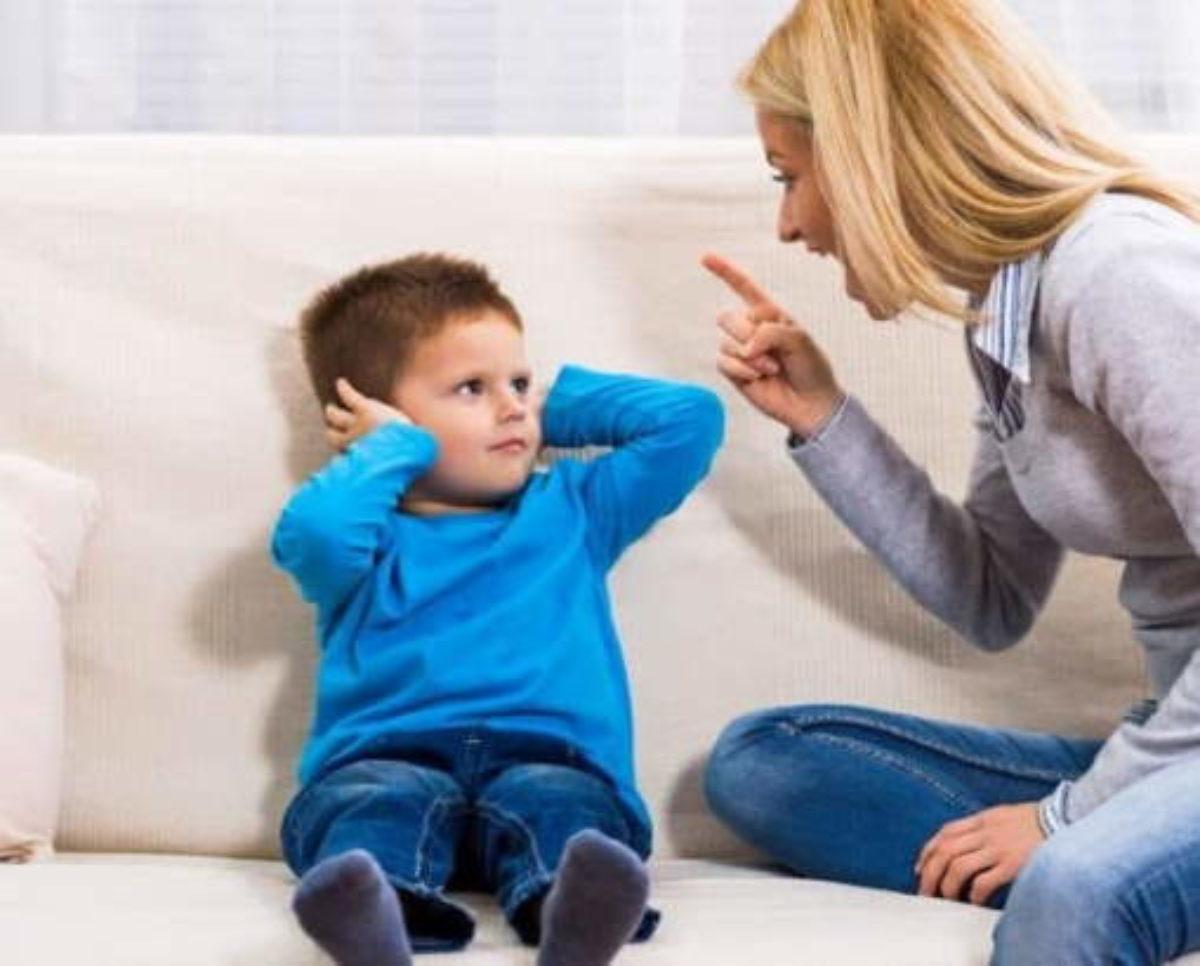 4 τρόποι που οι γονείς συνθλίβουν την αυτοεκτίμηση των παιδιών