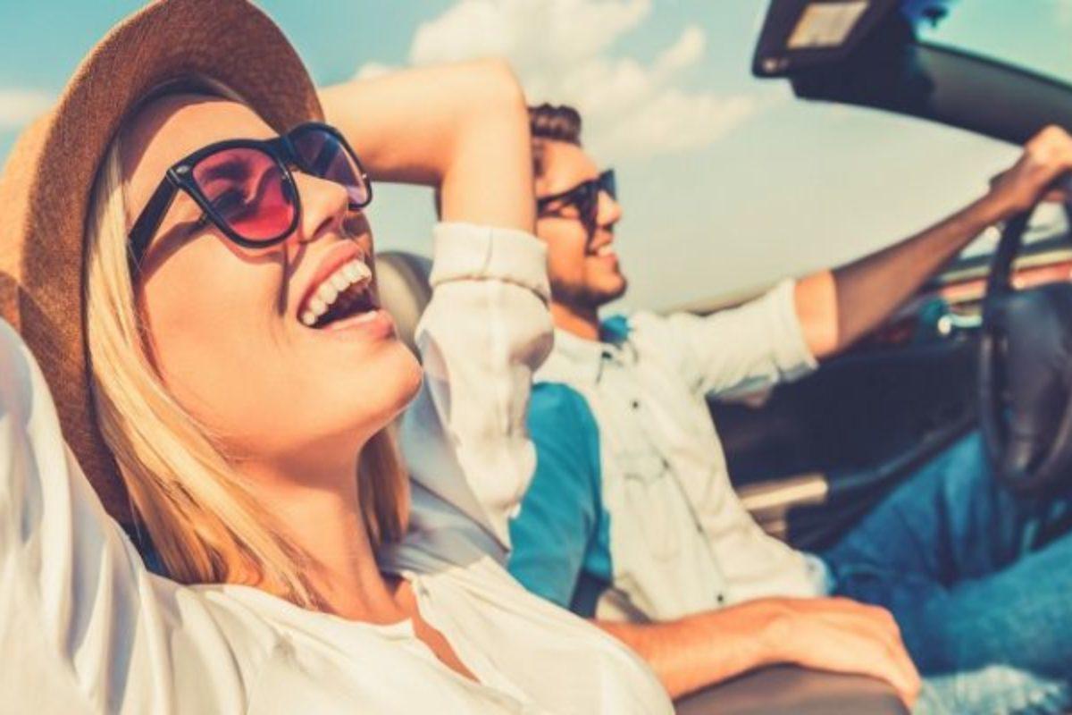 Κάντε παρέα με χαρούμενους ανθρώπους – H ευτυχία είναι μεταδοτική σύμφωνα με νέα έρευνα