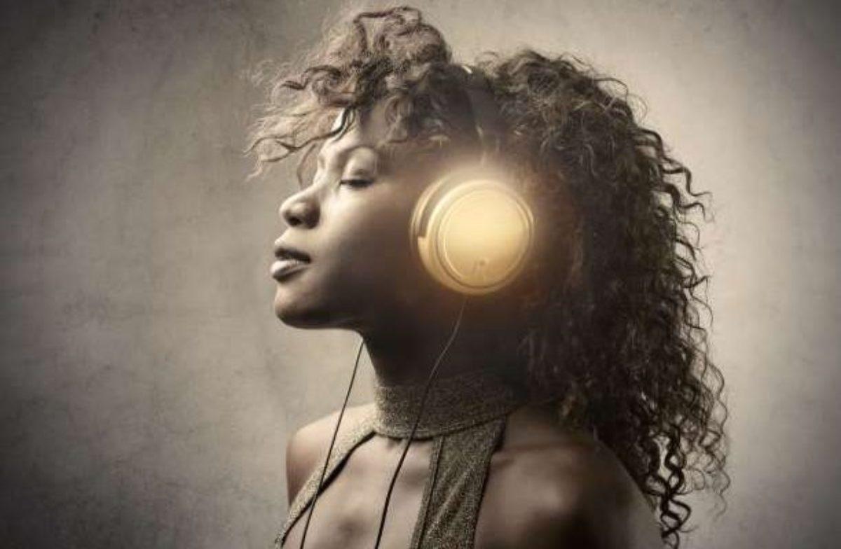 Η μουσική είναι πιο αποτελεσματική από τα φάρμακα στην απελευθέρωση των φυσικών παυσίπονων του εγκεφάλου